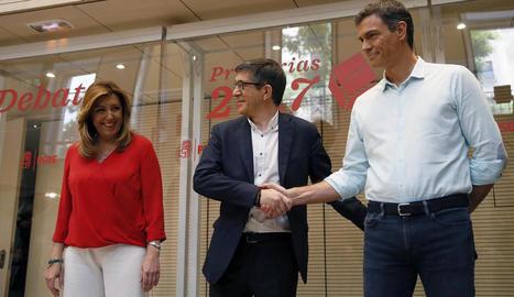 Els candidats a la secretaria general del PSOE, Susana Díaz, Patxi López i Pedro Sánchez, poc abans del debat a Ferraz.