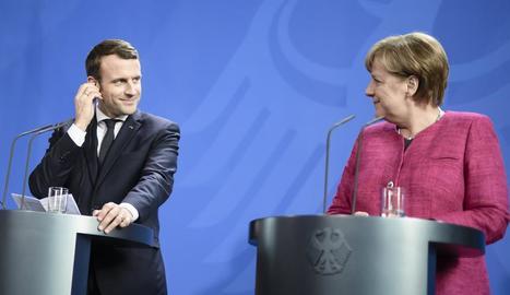 Macron i Merkel van protagonitzar ahir la primera reunió del renovat eix francoalemany.