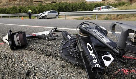 Imatge d'arxiu del dia de l'accident a Soses on van morir dos ciclistes atropellats per un conductor presumptament ebri el 2015.