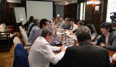 Un moment de la reunió ahir al ministeri a Madrid.