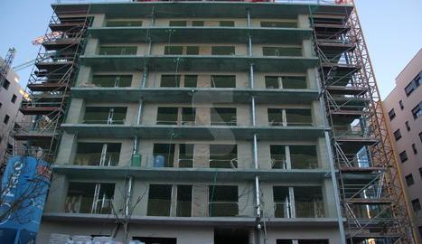 Una construcció de pisos.