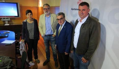 El paer en cap, acompanyat del tinent d'alcalde Fèlix Larrosa, ha presentat els diferents eixos presents i futurs amb què treballa la Paeria en el marc del desenvolupament del Pla Operatiu de l'Horta de Lleida