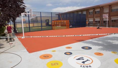 Les instal·lacions al pati de l'escola L'Estel de Sant Guim.