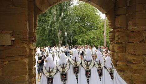 La desfilada dels més petits pel carrer Major.