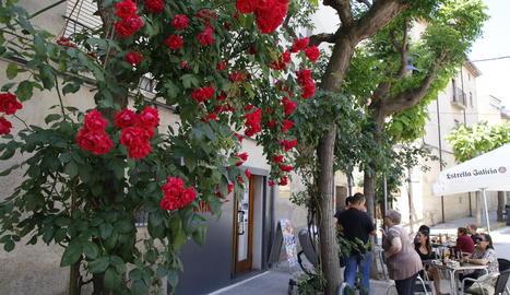 Un carrer de Juneda decorat per al concurs.