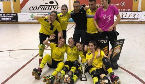 Les jugadores van celebrar l'ascens a la mateixa pista del Girona.
