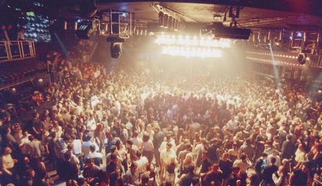 La pista central de la discoteca Big Ben de Golmés en els bons temps en què congregava milers de persones.