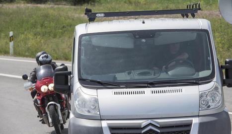 L'exmembre d'ETA Idoia López Riaño, 'la Tigresa', va abandonar la presó amb moto.