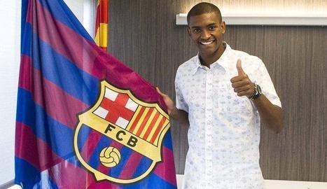 Marlon, feliç ahir al firmar la renovació amb el Barcelona per tres temporades més.