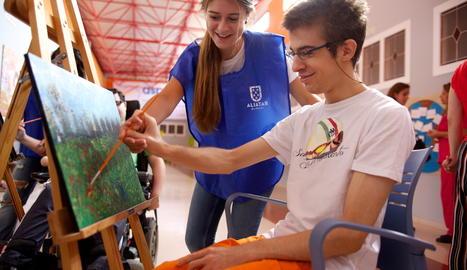 La Caixa destina prop de 50.000 euros per millorar la qualitat de vida de gent gran i discapacitats de Lleida