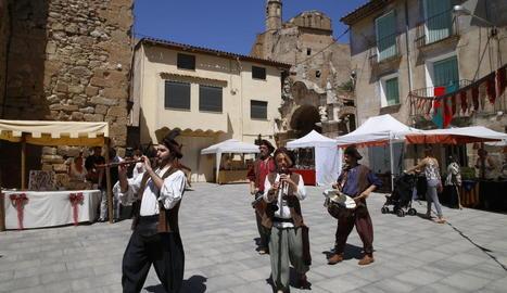 Una trentena de parades van prendre el centre de Castelló.