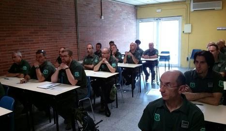 El primer grup d'agents rurals en rebre el curs de seguretat.
