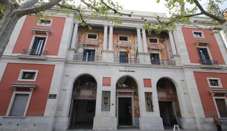 La façana del Palau de la Diputació de Lleida.