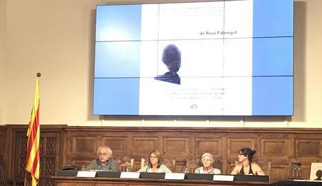 L'IEI va acollir ahir la presentació de la novel·la de Rosa Fabregat.