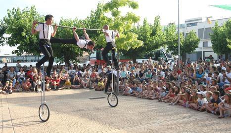 Un número d'acrobàcies de l'edició de l'any passat del festival Circ Picat.