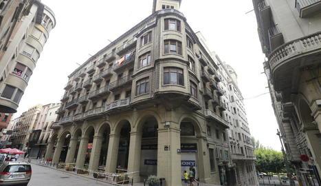 Imatge de la façana en la qual es van produir els despreniments.