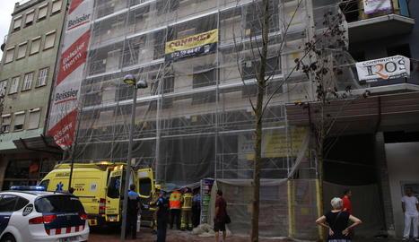 Els fets van tenir lloc en aquest edifici en obres situat en el número 21 del carrer Balmes.