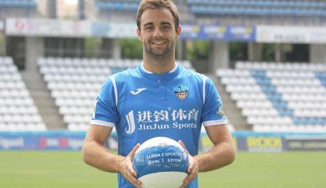 Jorge Félix Muñoz, ahir, durant la seua presentació com a nou jugador del Lleida Esportiu.