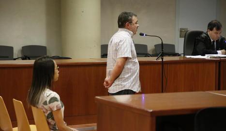 Els dos acusats, ahir, a l'Audiència de Lleida.
