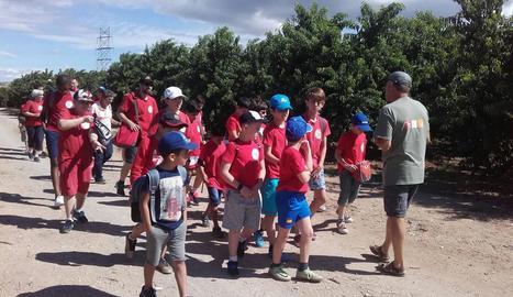 Els nens de Saragossa, en la visita guiada d'ahir a Aitona.