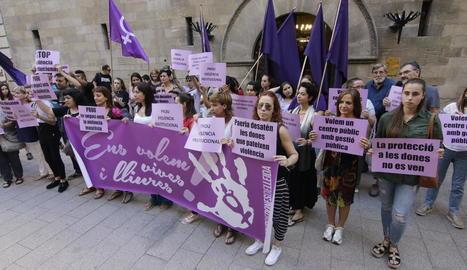 Dones de Lleida va convocar la concentració d'ahir.