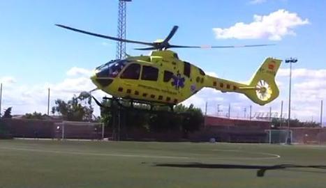 L'helicòpter del SEM enlairant-se
