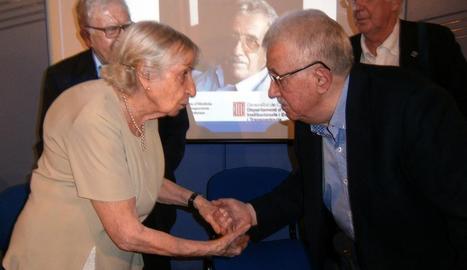 Florència Ventura, viuda de Josep Benet, amb Josep Fontana.