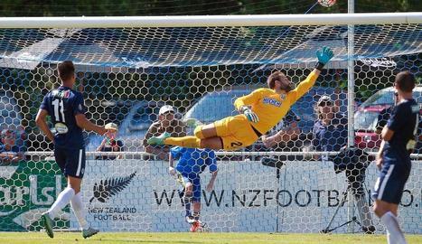 El porter Diego Rivas, en una espectacular intervenció quan militava a l'Auckland neozelandès.
