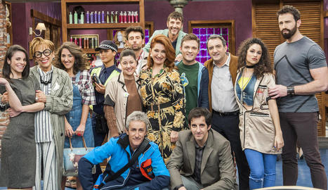 L'equip d'actors de la nova sitcom 'La Pelu' de TVE.