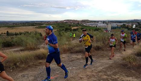 Un moment de la cursa Els Tres Tossals, que es va celebrar a Alcoletge.