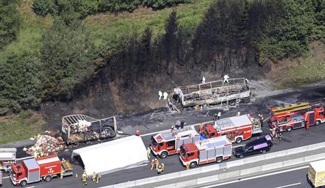 L'accident es va produir a l'autopista A9, a l'altura de Stammbach, a l'estat federat de Baviera.
