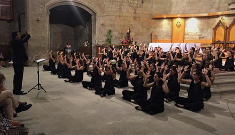 El cor va interpretar obres de diferents períodes i estils al convent dominic de Balaguer.
