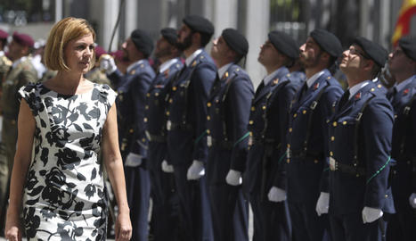 El rei saluda el secretari general del PSOE, Pedro Sánchez, a qui va rebre al Palau de La Zarzuela.