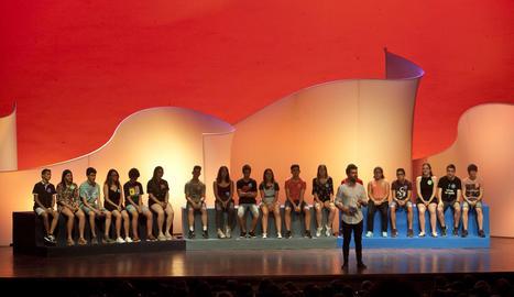 Els divuit finalistes del programa, a la gala de la final, que conduirà el músic i actor Joan Dausà.