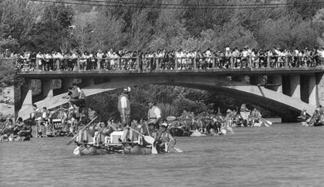 Primer any que es va celebrar al juliol i centenars de persones es van congregar al pont d'Escalera per veure el primer tram de baixada.