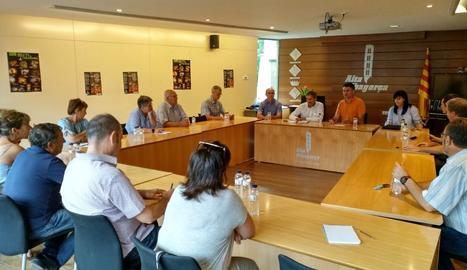 Un moment de la reunió al consell comarcal.