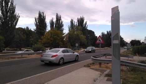 La Paeria demana senyalitzar més parades de busos interurbans com aquesta de la carretera d'Alpicat.