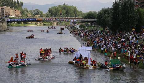 Una de les barques que van ser premiades aquest any per l'originalitat en la construcció.