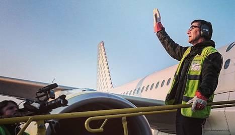 Queco Novell posarà la veu en 'off' i la ironia a 'Aeroport'.