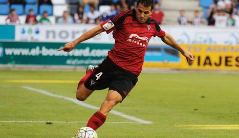 Carlos Lázaro, durant un partit amb el Mirandés la passada temporada.