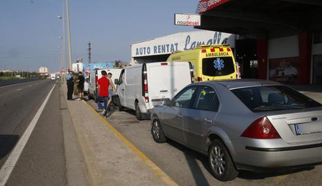 Dos ferits en una col·lisió en cadena a la carretera Ll-11