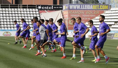 Primera foto del Lleida 2017-18 ahir al Camp d'Esports.