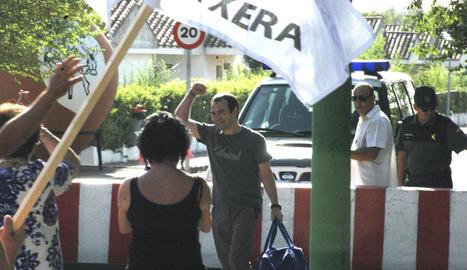 L'etarra Felipe San Epifanio, 'Pipe', al sortir de la presó.