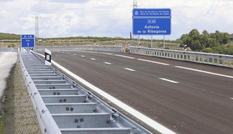 L'A-14, batejada Autovia de la Ribagorça, discorre paral·lela a l'N-230 i té uns 16 km construïts.