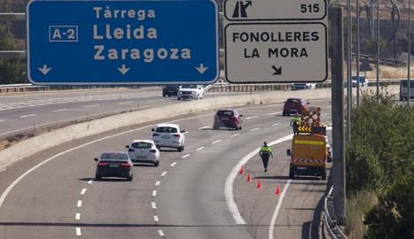 Tres ferits en accidents a l'A-2 a Bell-lloc i la Granyanella
