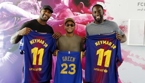 Neymar, amb els jugadors.