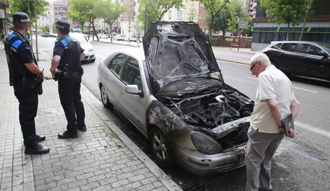 Desviació de trànsit a Prat de la Riba al cremar el motor d'un vehicle