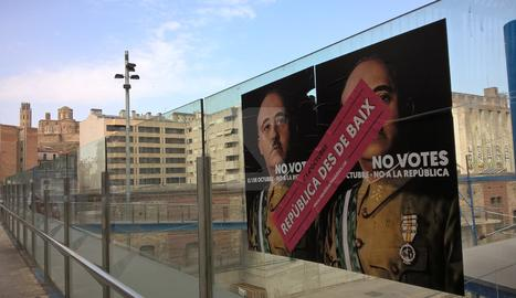 Cartells de Franco contra l'1-O a Lleida i Balaguer