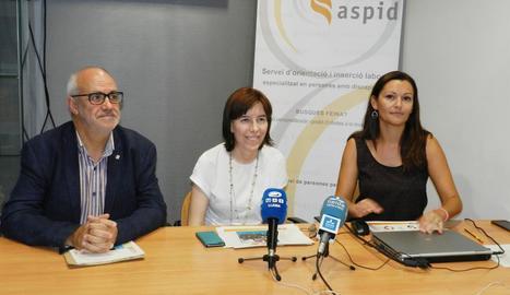 Joan Santacana, Bibiana Bendicho i Lídia Méndez, ahir a Aspid.