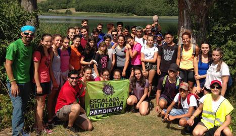 Els participants van recórrer les muntanyes del Pallars fins a arribar a l'estany de Montcortès.